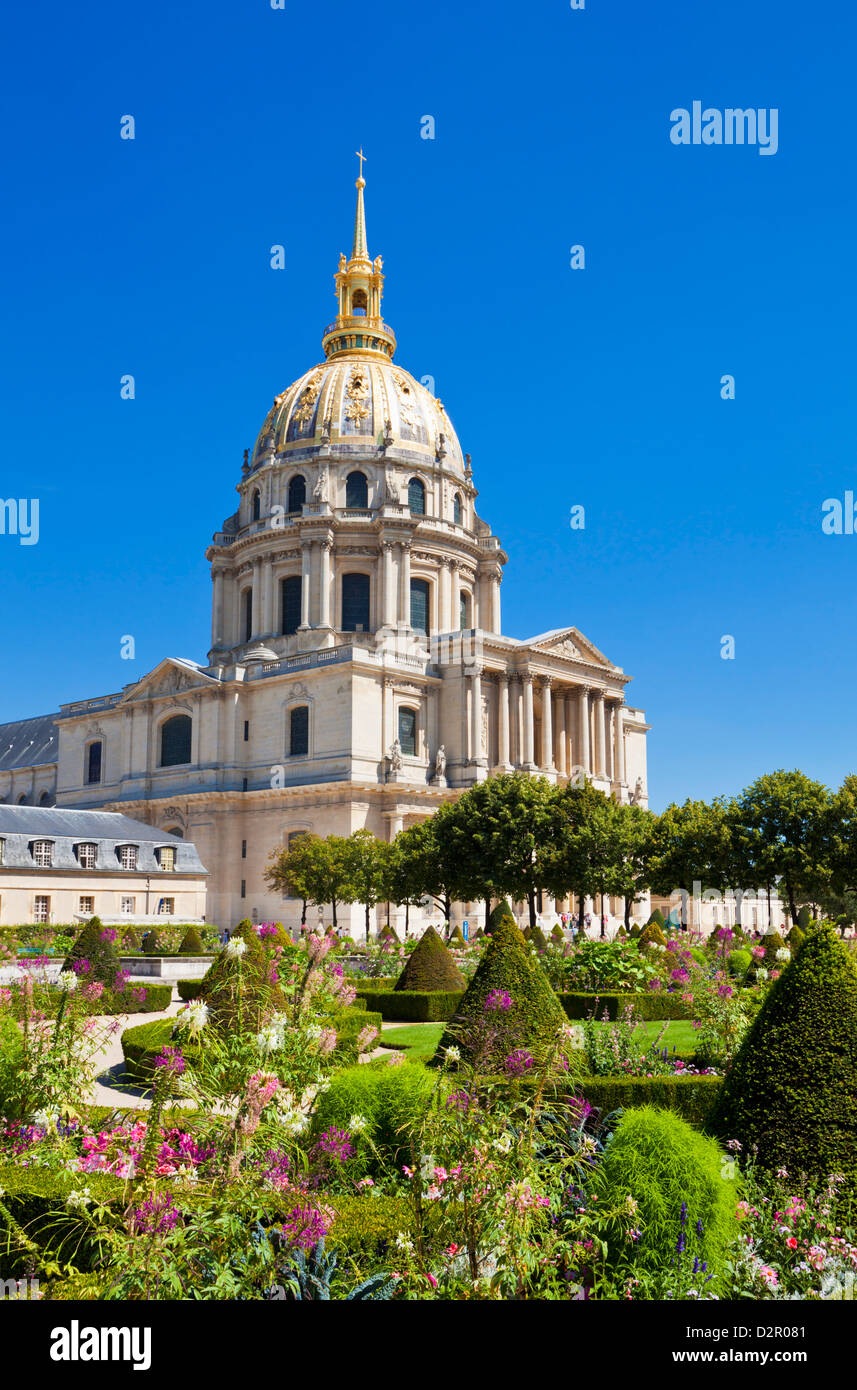 Eglise du Dome, Les Invalide, and formal gardens, Paris, France, Europe - Stock Image