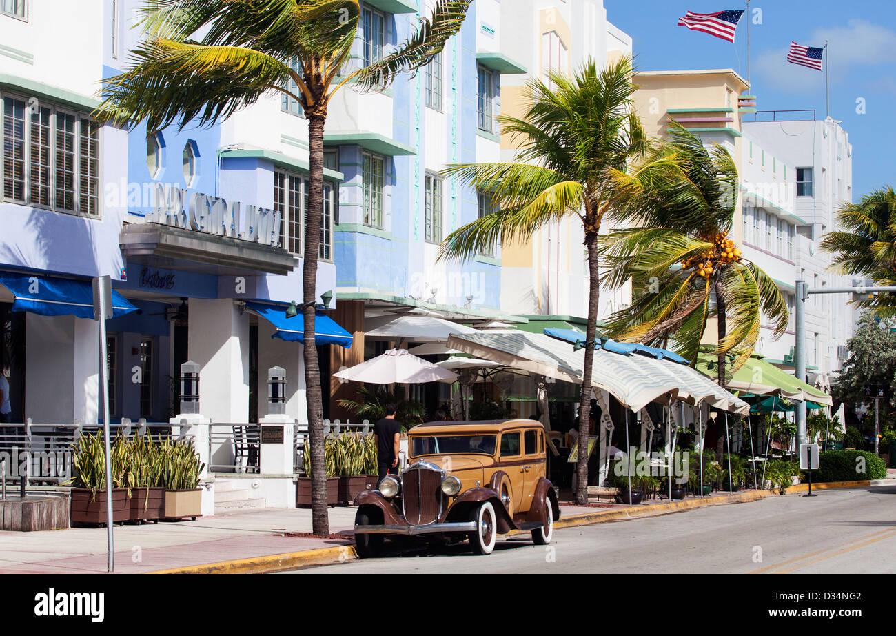 An Old Buick Car on Ocean Drive, South Beach, Miami Beach, USA - Stock Image