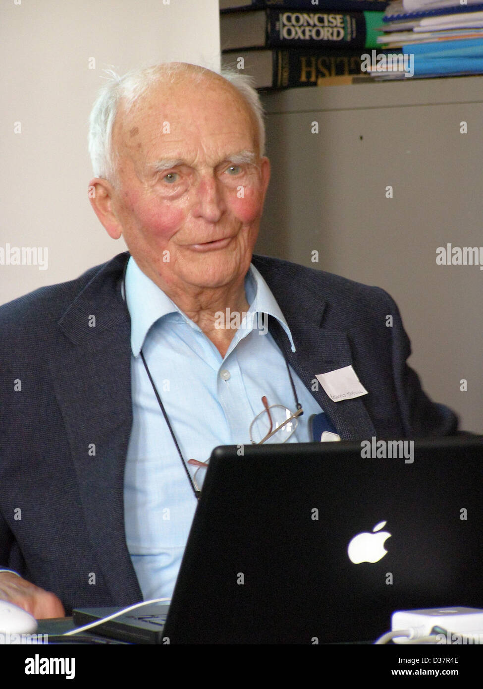 File Picture; Reg Turnill (1915-2013), aerospace correspondent for over 65 years, speaks at the British Rocketry Stock Photo