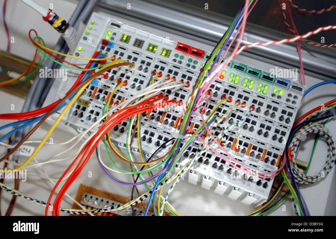 (dpa) - A view of the switches unit of a fuel cell test facility in Dortmund, Germany, 28 July 2003. The facility, - Stock Image