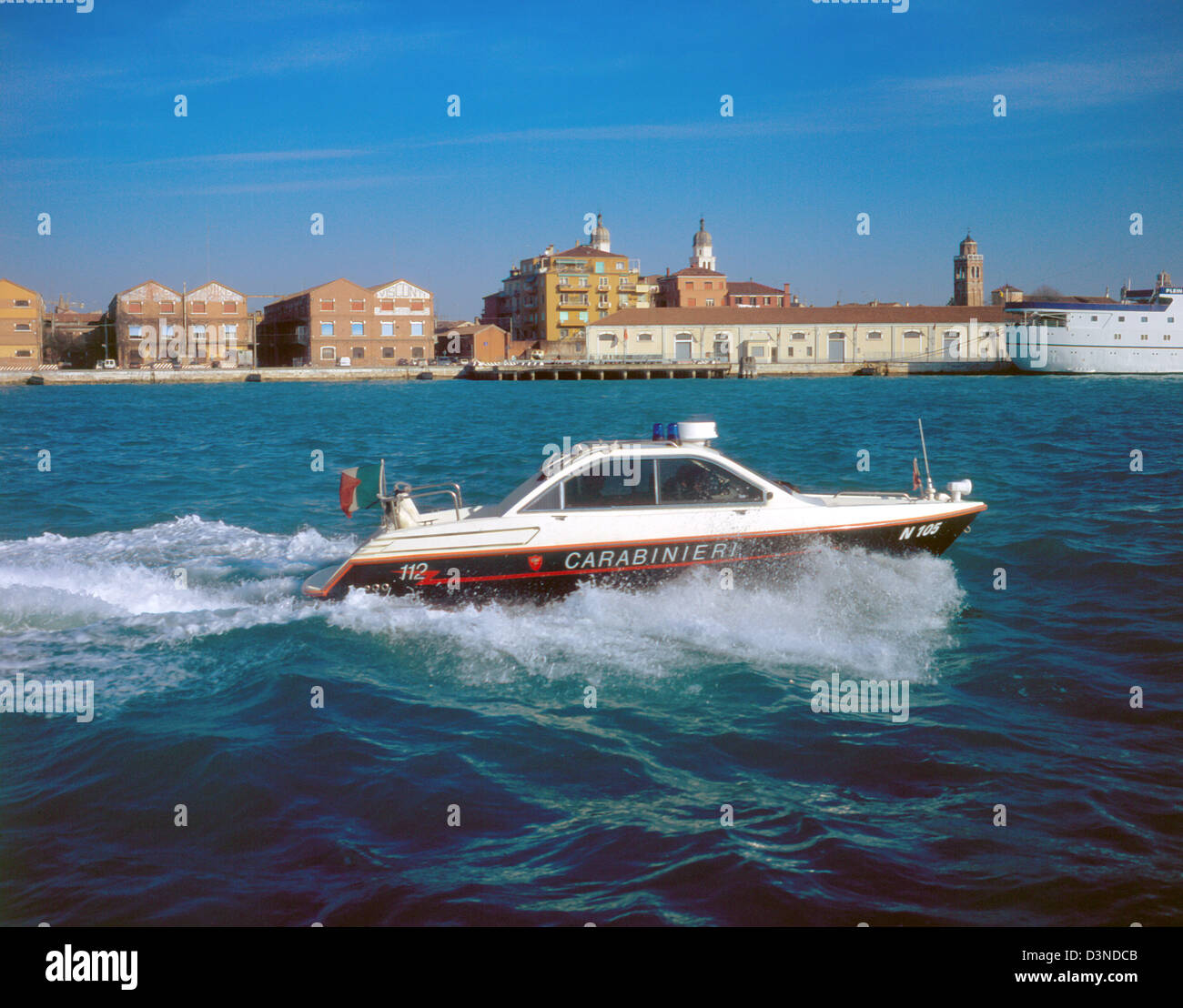 (FILE) - A motor boat of the Italian police (carabinieri) is pictured at a waterway in Venice, Italy, February 2005.Photo: - Stock Image