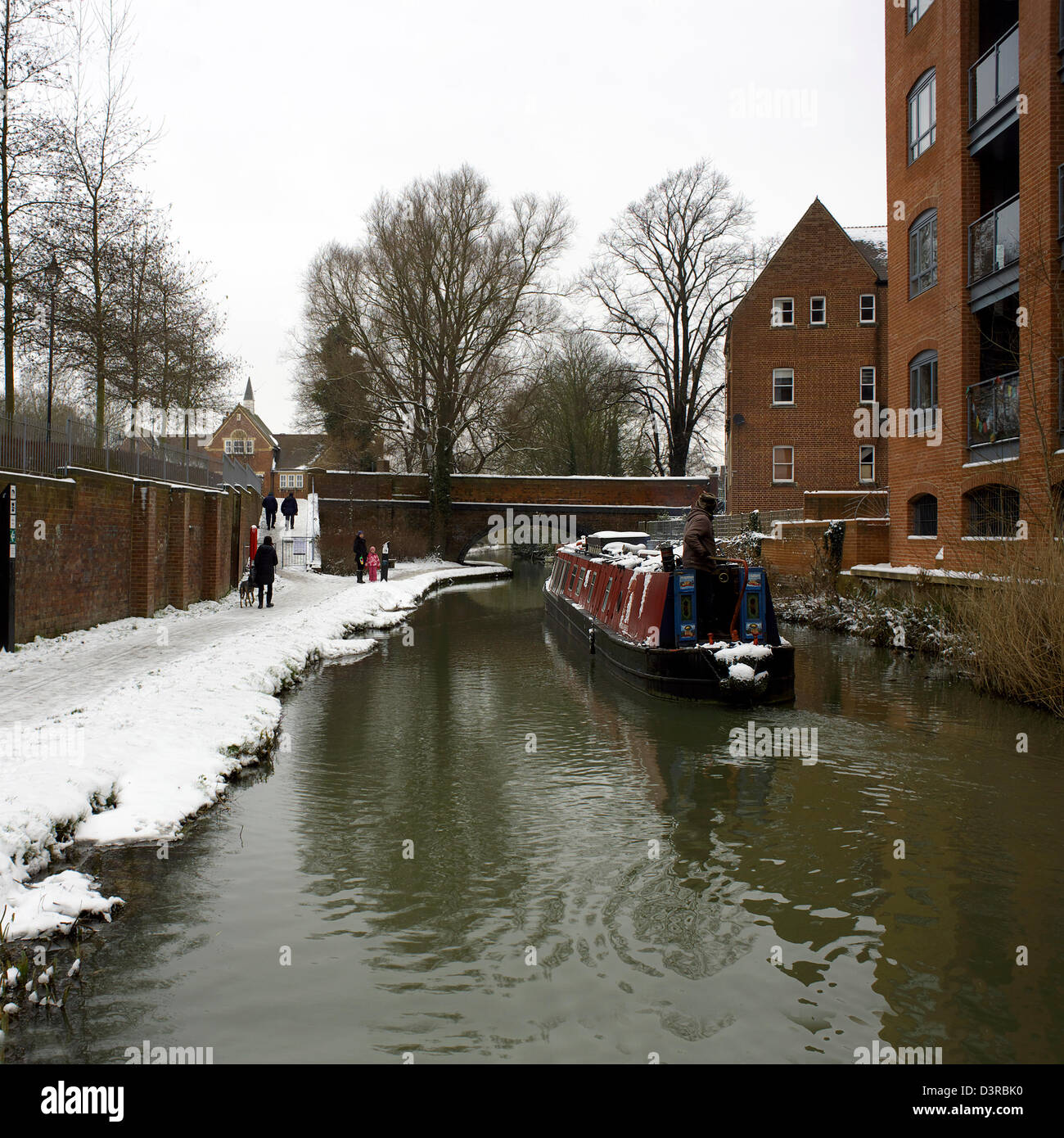 Winter on the South Oxford Canal, City of Oxford, Oxfordshire, Oxon, England, boat, narrowboat, narrow boat, snow, - Stock Image