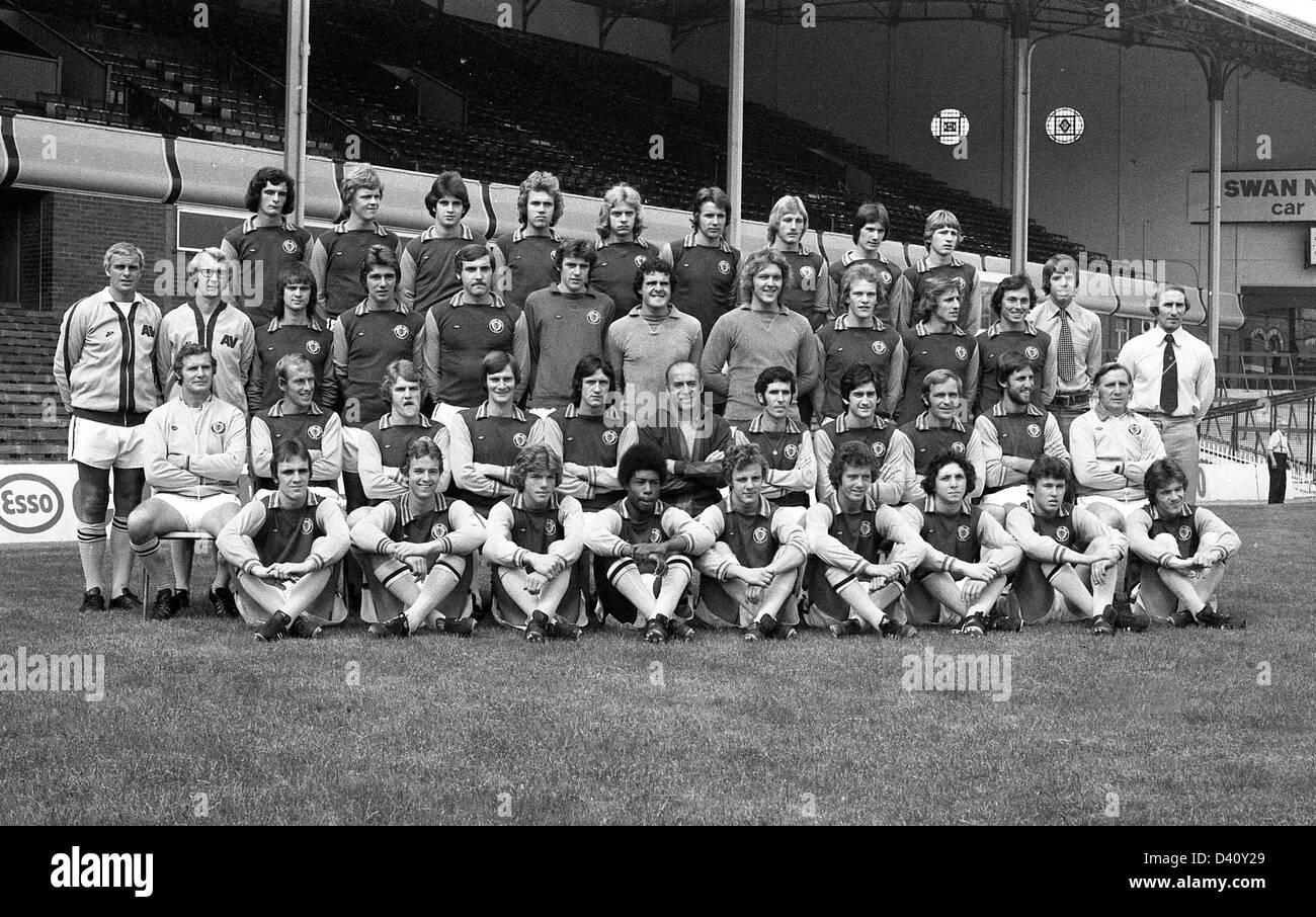 Aston Villa football club team 1976 back row Charles Young John Deehan David Evans David Hughes Keith Masefield - Stock Image