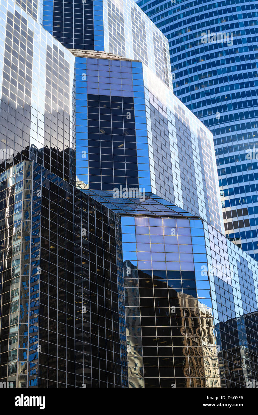 Tall glass and steel towers in the business district, Chicago, Illinois, USA - Stock Image