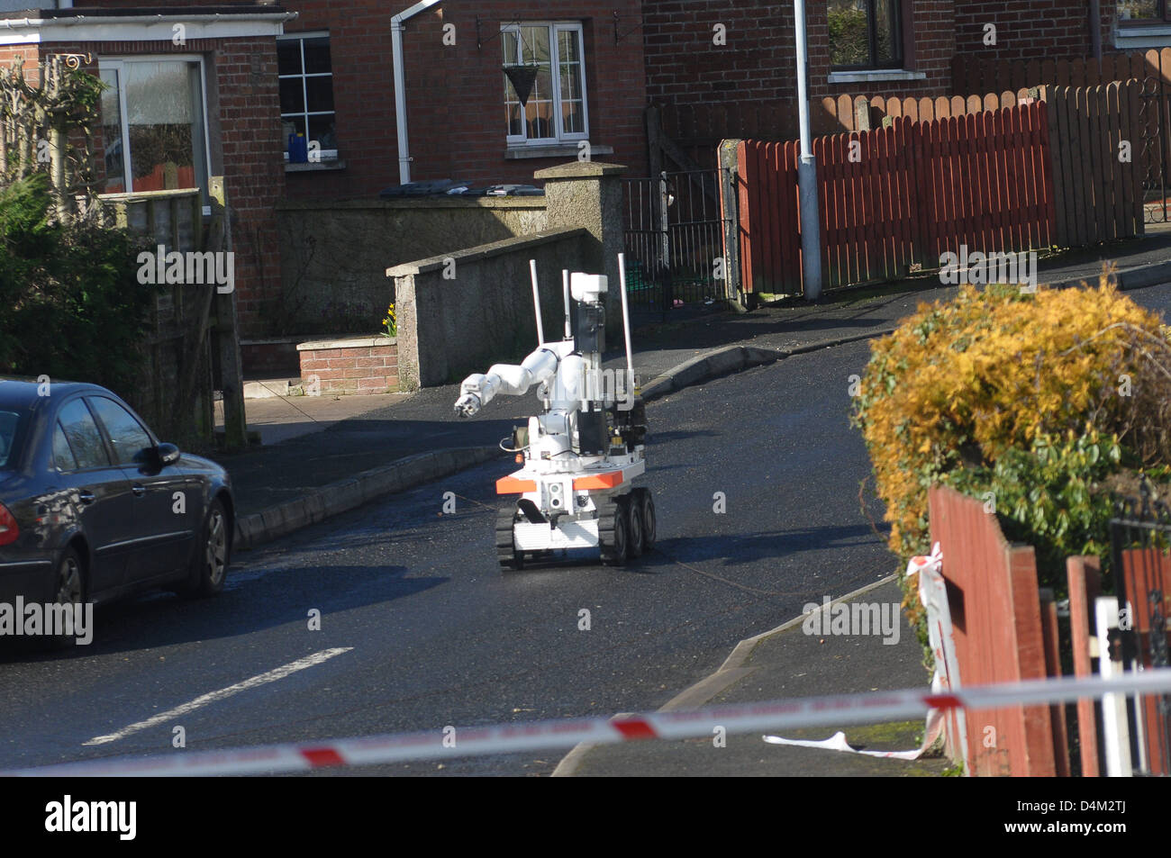 Armagh, Northern Ireland. 15th March 2013. Bomb squad robot at the scene of a suspected bomb at a house in Alexandra - Stock Image