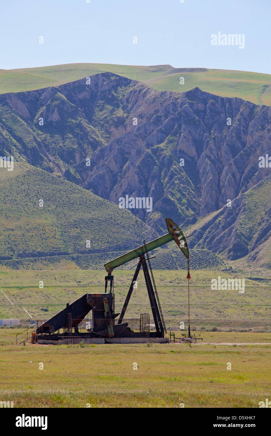Oil Derricks, San Joaquin Valley, Kern County, California , USA - Stock Image
