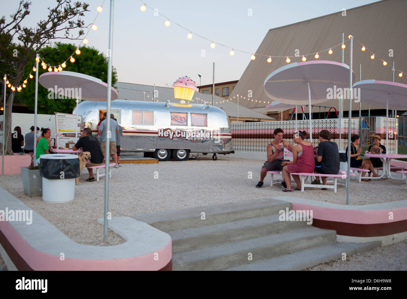 USA Texas TX Austin State Capital South Congress Ave Avenue - Nightlife food dessert Hey Cupcake small business Stock Photo