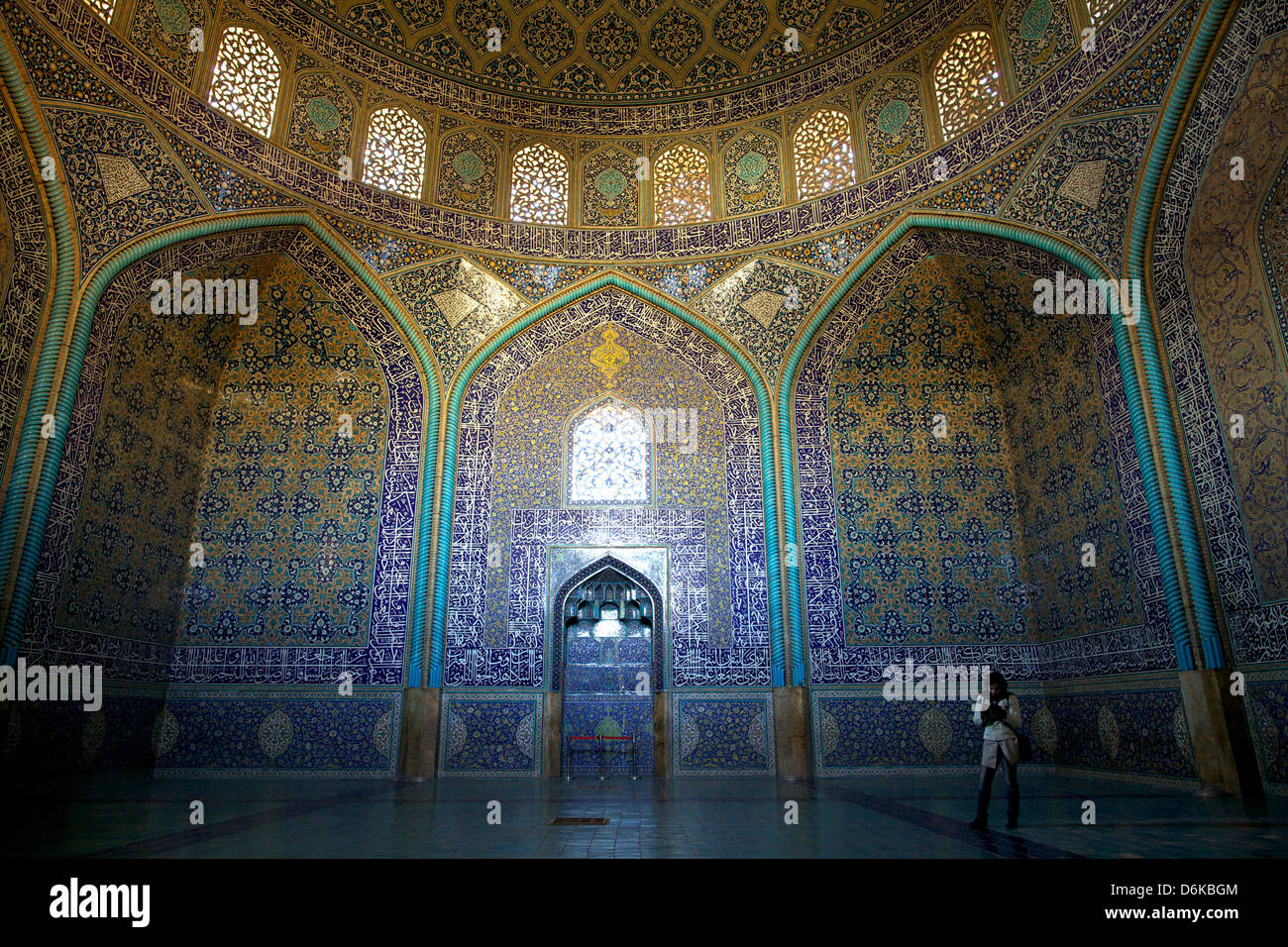Inside the Sheikh Lotfollah Mosque, Isfahan, Iran, Middle East - Stock Image