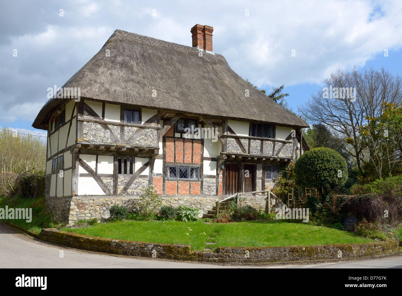 Medieval Thatched Cottage Stock Photos Amp Medieval Thatched