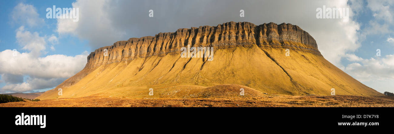evening-light-on-the-limestone-mountain-of-benbulben-county-sligo-D7K7Y8.jpg