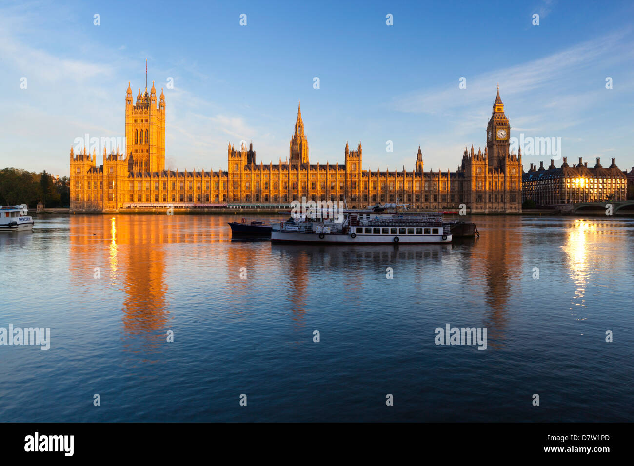 Houses of Parliament and River Thames, Westminster, London, England, United Kingdom - Stock Image