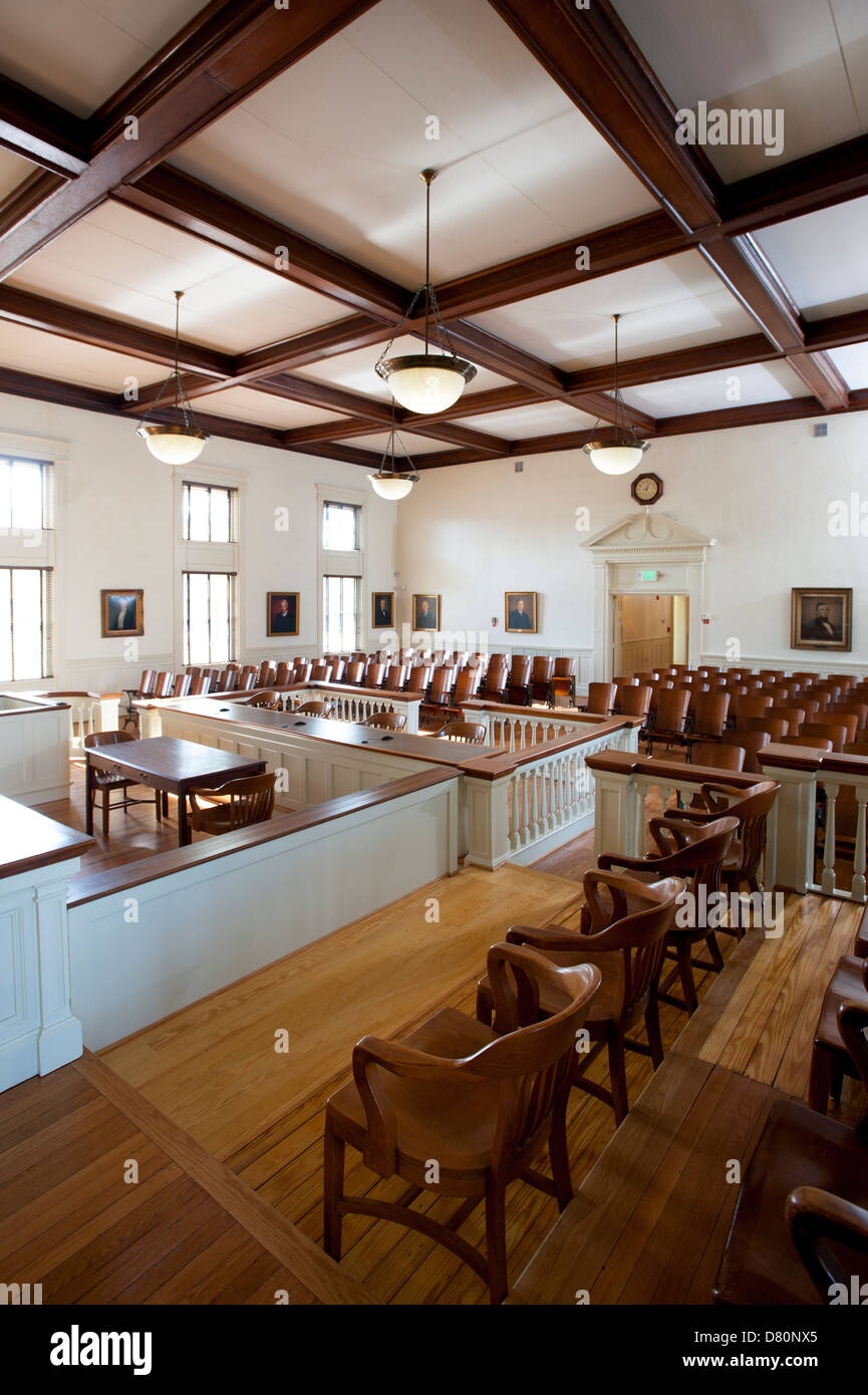 usa-chesterfield-virginia-va-old-1917-courthouse-still-in-use-D80NX5.jpg