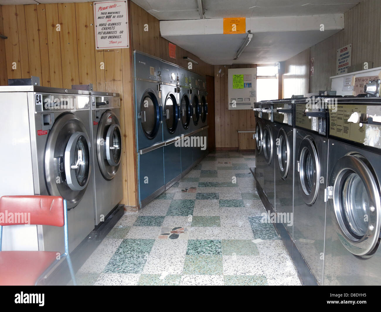 washing,drying,dryers,machine,dolly,tub,dollytub,the,old,service,washes,threatened,treatened,under,threat,undertreat,tradition,high,st,street,closed,closing,disappearing,disappear,Warrington,Grappenhall,Penketh,shops,parade,of,dry,clean,centre,coin,operated,coin-op,coin,op,stainless,steel,bendix,gotonysmith Hotpoint Candy,Buy Pictures of,Buy Images Of