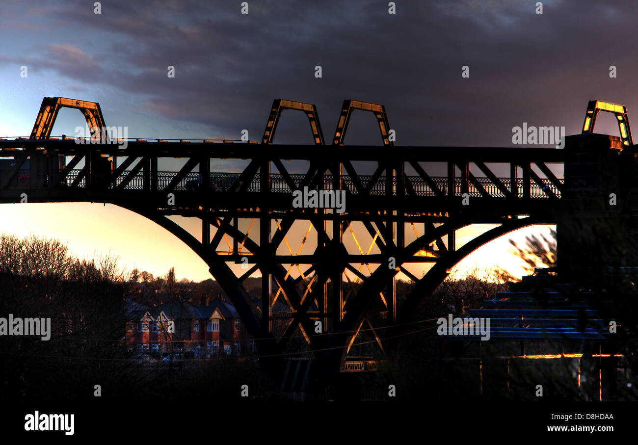 Company,Peel,port,Ports,sunset,dusk,sky,Latchford,Warrington,Lock,Locks,metal,iron,Ackers,rd,road,MSCC,England,English,high,level,road,iconic,cheshire,industrial,structure,structures,low,sun,sunrise,sunset,history,historic,Gotonysmith,Warringtonians,Buy Pictures of,Buy Images Of