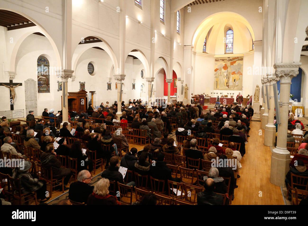 Sunday Mass, Villemomble, Seine-St. Denis, France - Stock Image