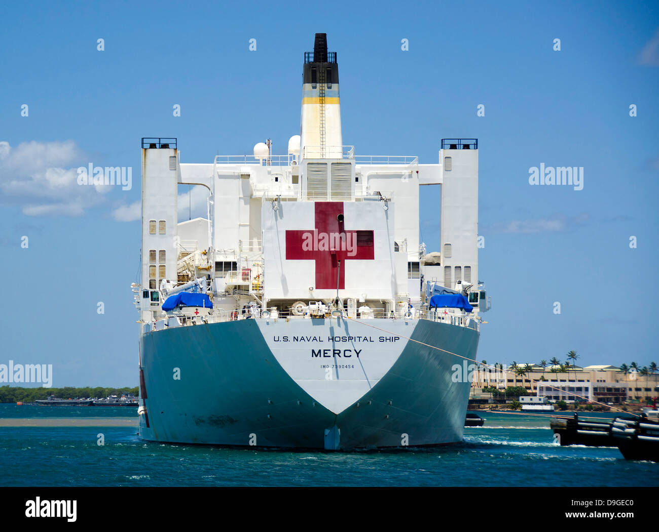Hospital ship usns mercy at joint base pearl harbor hickam in hawaii hospital ship usns mercy at joint base pearl harbor hickam in hawaii stopboris Image collections
