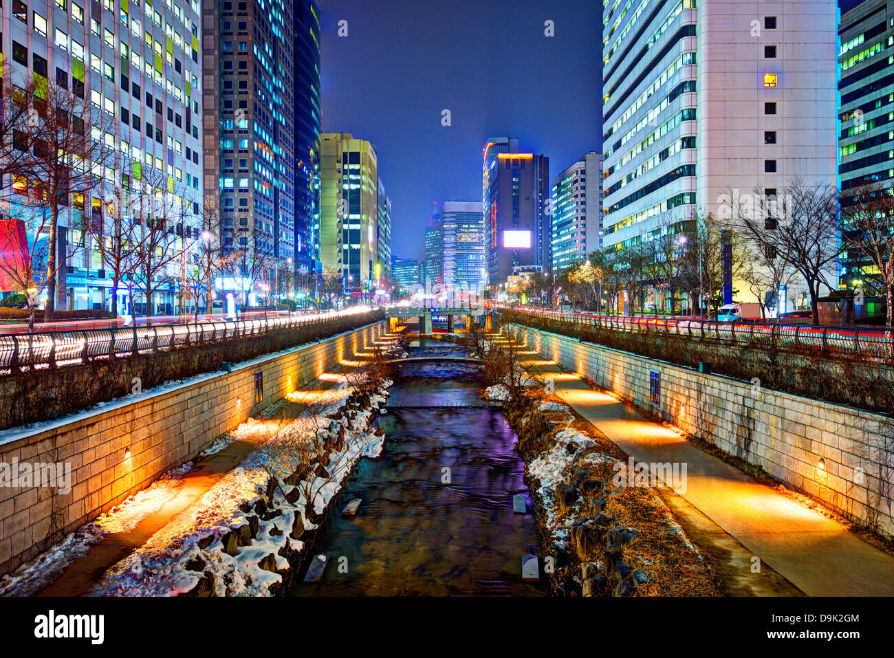 Cheonggyecheon stream in Seoul, South Korea is the result of a massive urban renewal project. - Stock Image