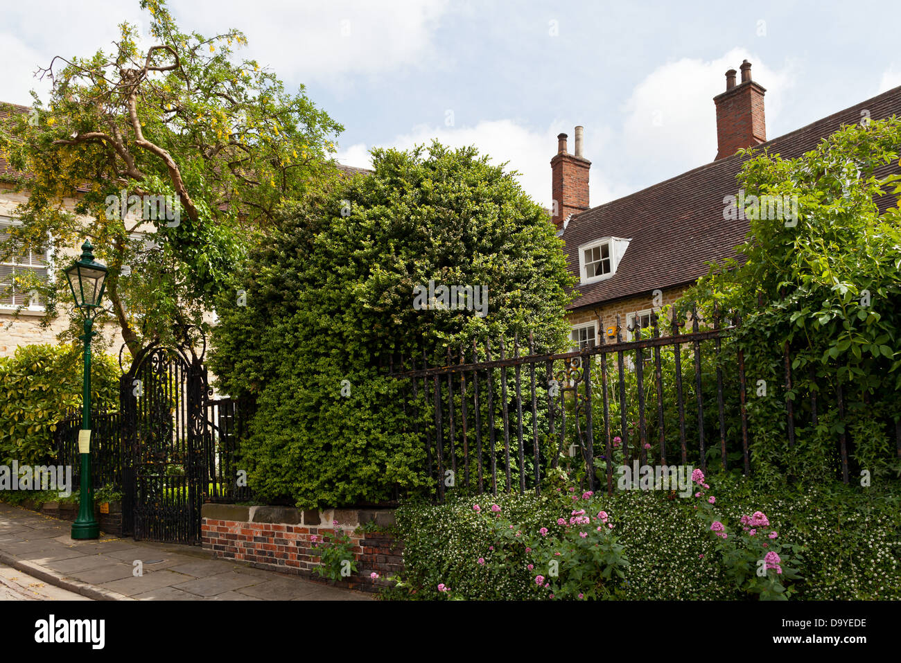 Lincoln - Garden at Greestone terrace; Lincoln, Lincolnshire, UK, Europe - Stock Image