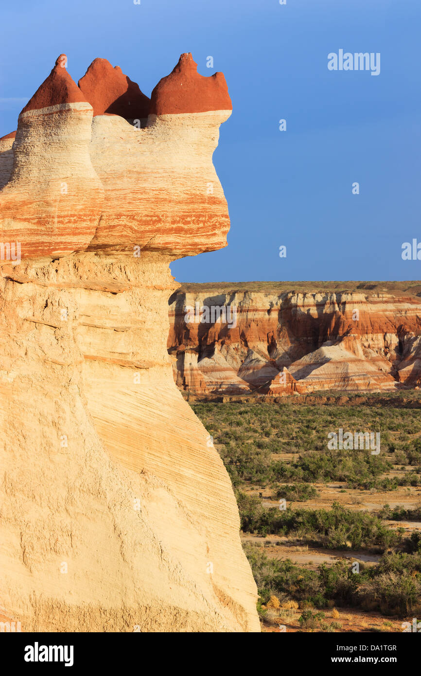 Red rock boulders in the Blue Canyon area of Moenkopi Wash south of Tonalea, Arizona, USA - Stock Image