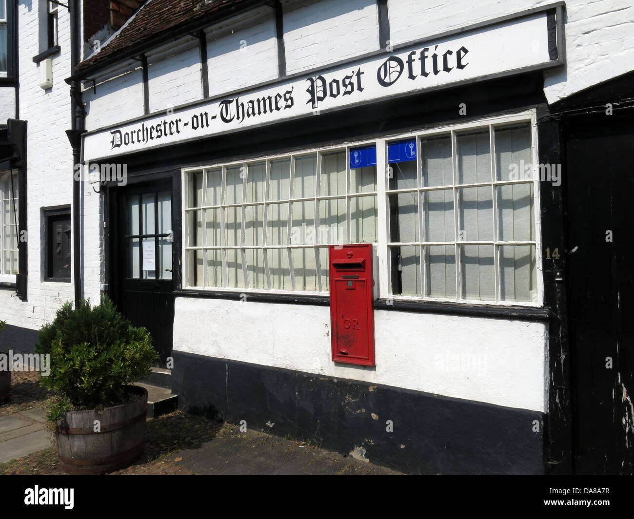 Dorchester-on-Thames,England,UK,on-thames,another,closed,PO,district,subpostoffice,sub-post,Oxen,Oxfordshire,England,quaint,interesting,unique,olde,on-Thames,OX10,7LJ,OX107LJ,interesting,timber,framed,building,historic,history,near,Wallingford,red,postbox,tourist,tourism,gotonysmith,Buy Pictures of,Buy Images Of