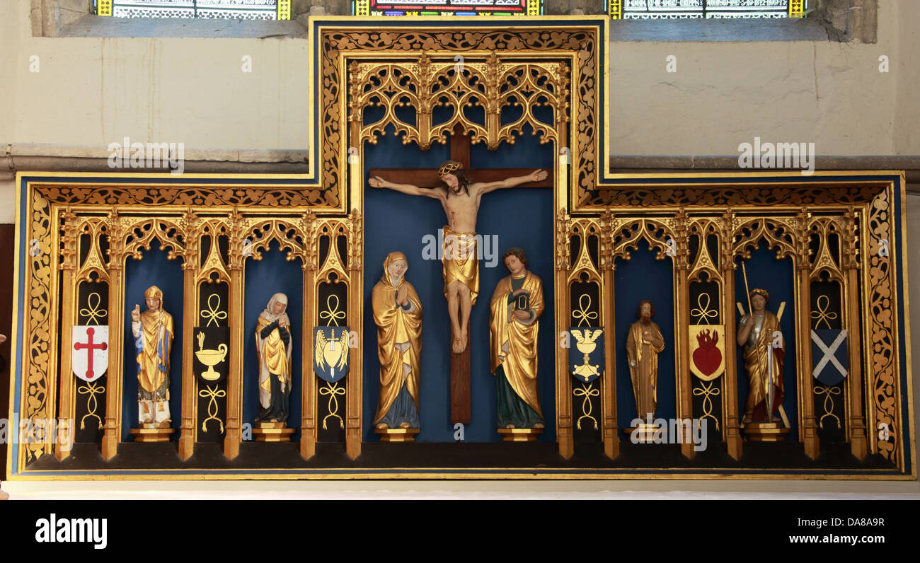 dorchester,on-thames,piece,altarpiece,oxford,oxfordshire,jesus,cross,Dorchester,Abbey,church,interior,inside,religious,relic,statues,golden,leaf,of,St,Peter,and,St,Paul,is,the,parish,old,quaint,spiritual,centre,tourist,tourism,pilgrim,pilgrimage,Lady,Chapel,close,up,close-up,gotonysmith relics carving crucifix flags scotland england center thames on,Buy Pictures of,Buy Images Of
