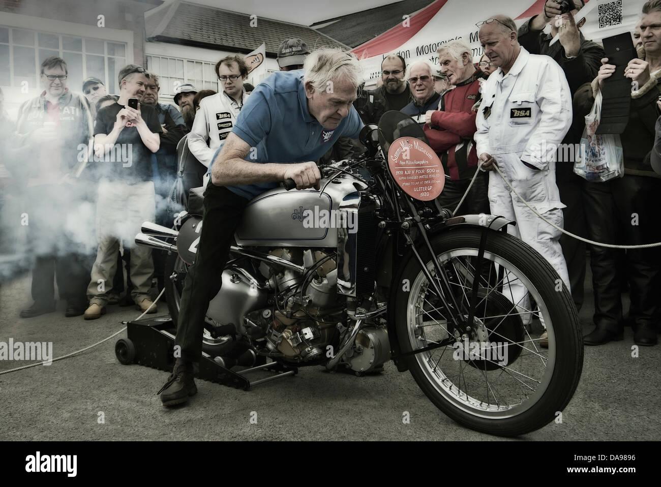 Just for fun  Sammy-miller-1939-ajs-v4-supercharged-1939-DA9896