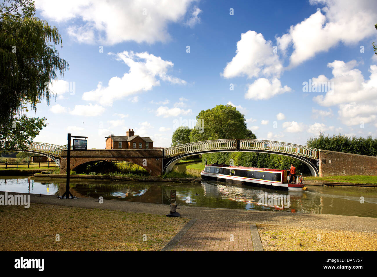 Braunston Junction between the Oxford Canal and the Grand Union Canal, Narrowboat on the Oxford Canal, Braunston, - Stock Image