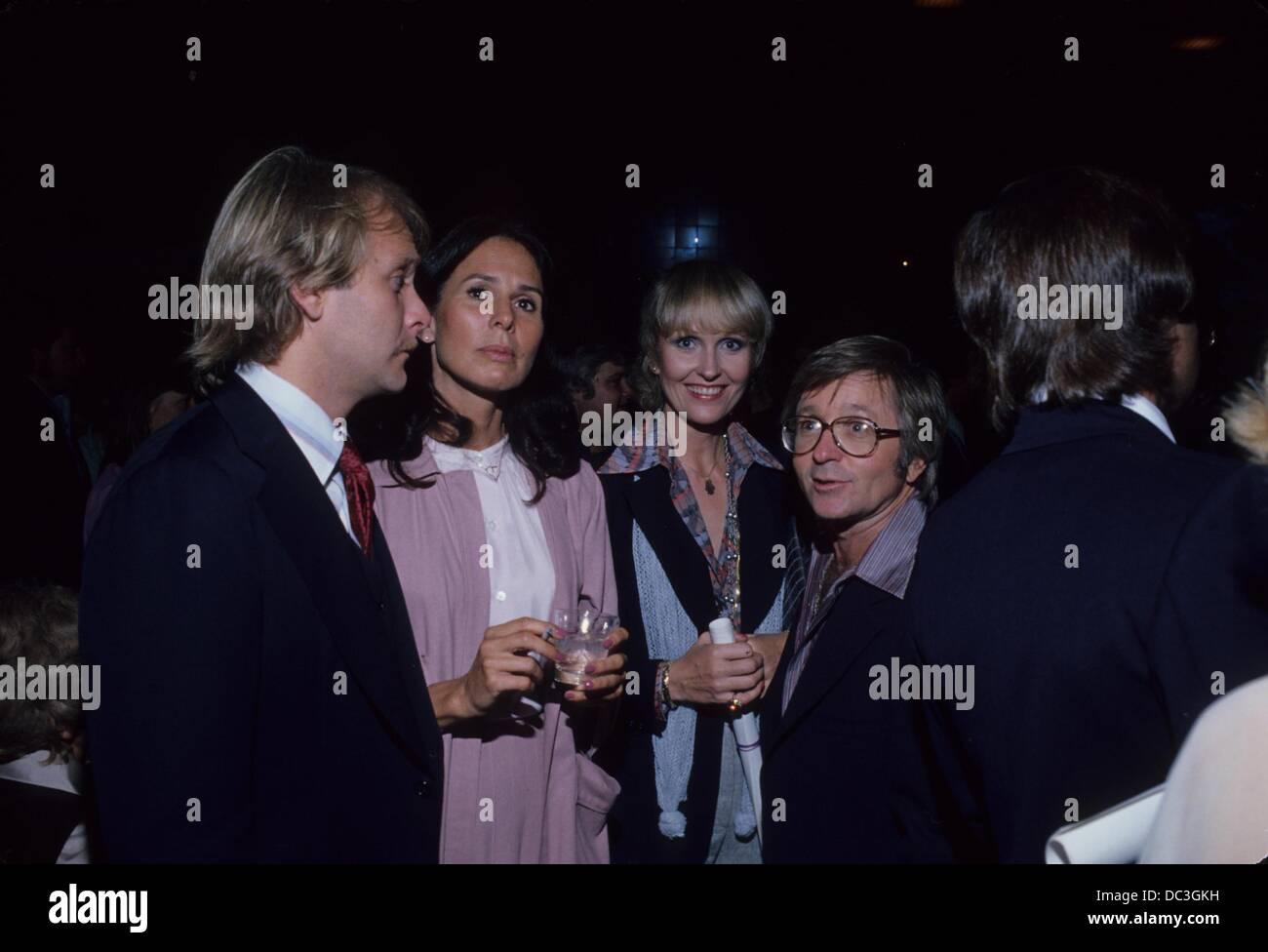 ARTE JOHNSON with wife Gisela , Martin Mull and wife Sandra Baker.g4922b.(Credit Image: © Bob V. Noble/Globe - Stock Image