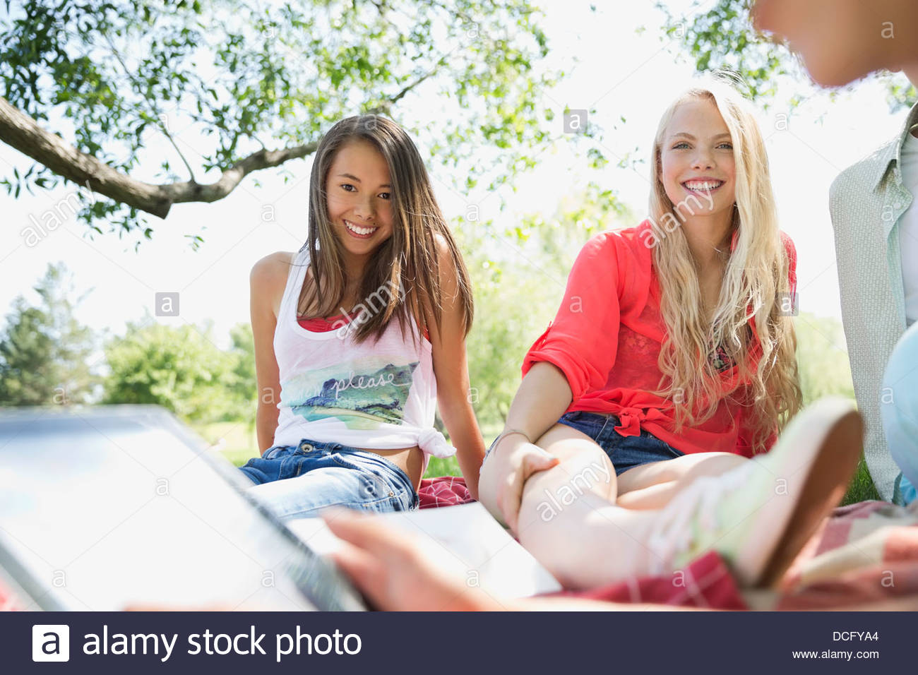 Teenagers hanging out together - Stock Image