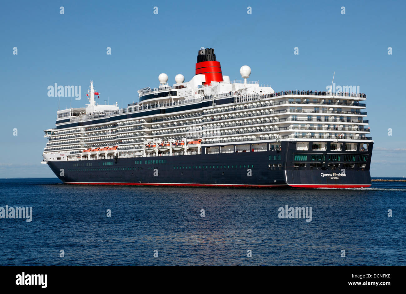 the-new-ms-queen-elizabeth-cruise-ship-n