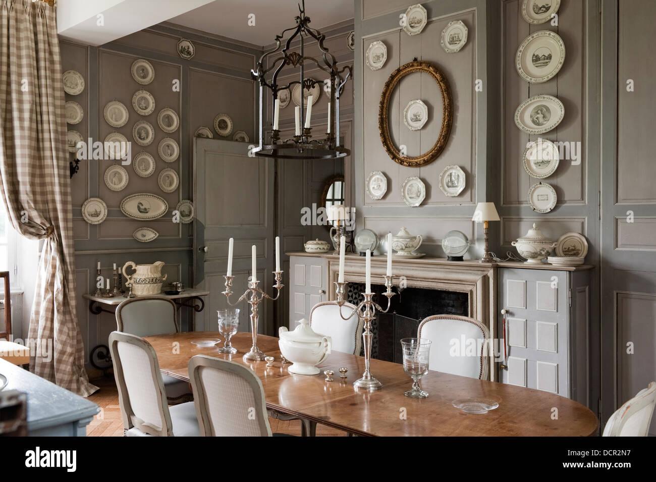 Elegant Dining Room Stock Photos & Elegant Dining Room Stock Images ...
