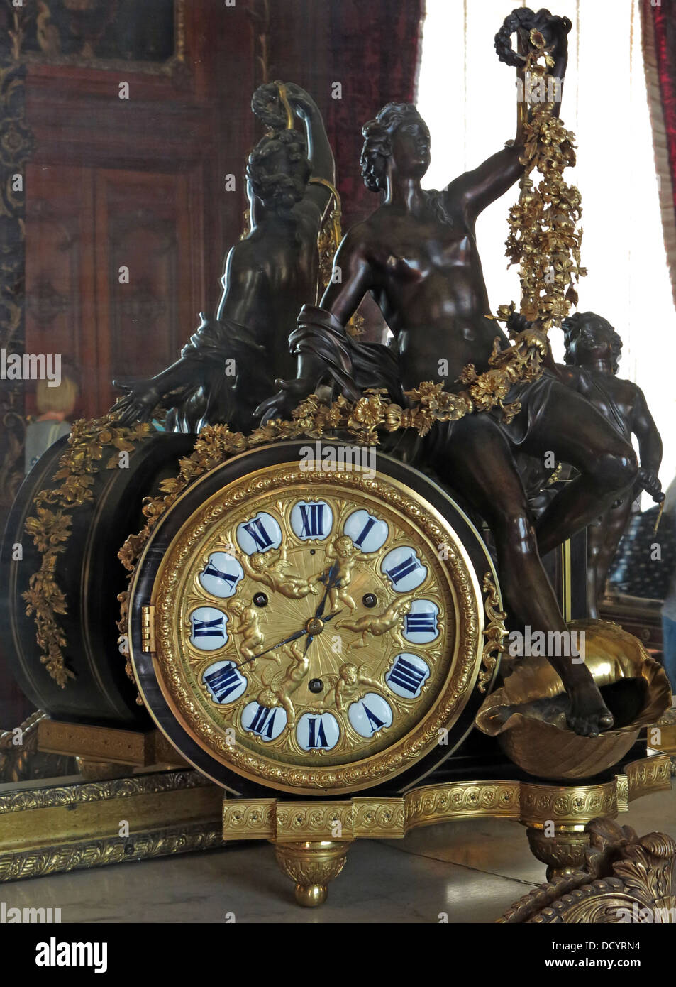 English,British,stately,homes,houses,national,trust,tourist,tourism,travel,class,system,upper,twit,Rothschild,Rothschilds,French,style,gold,clock,with,black,bronze,statue,18th,19th,century,time,piece,pieces,timepiece,timepieces,french,france,Gotonysmith Waddesdon Manor,Bicester Rd,Aylesbury,Buckinghamshire,England,UK HP18 0JH hp180jh,Buy Pictures of,Buy Images Of