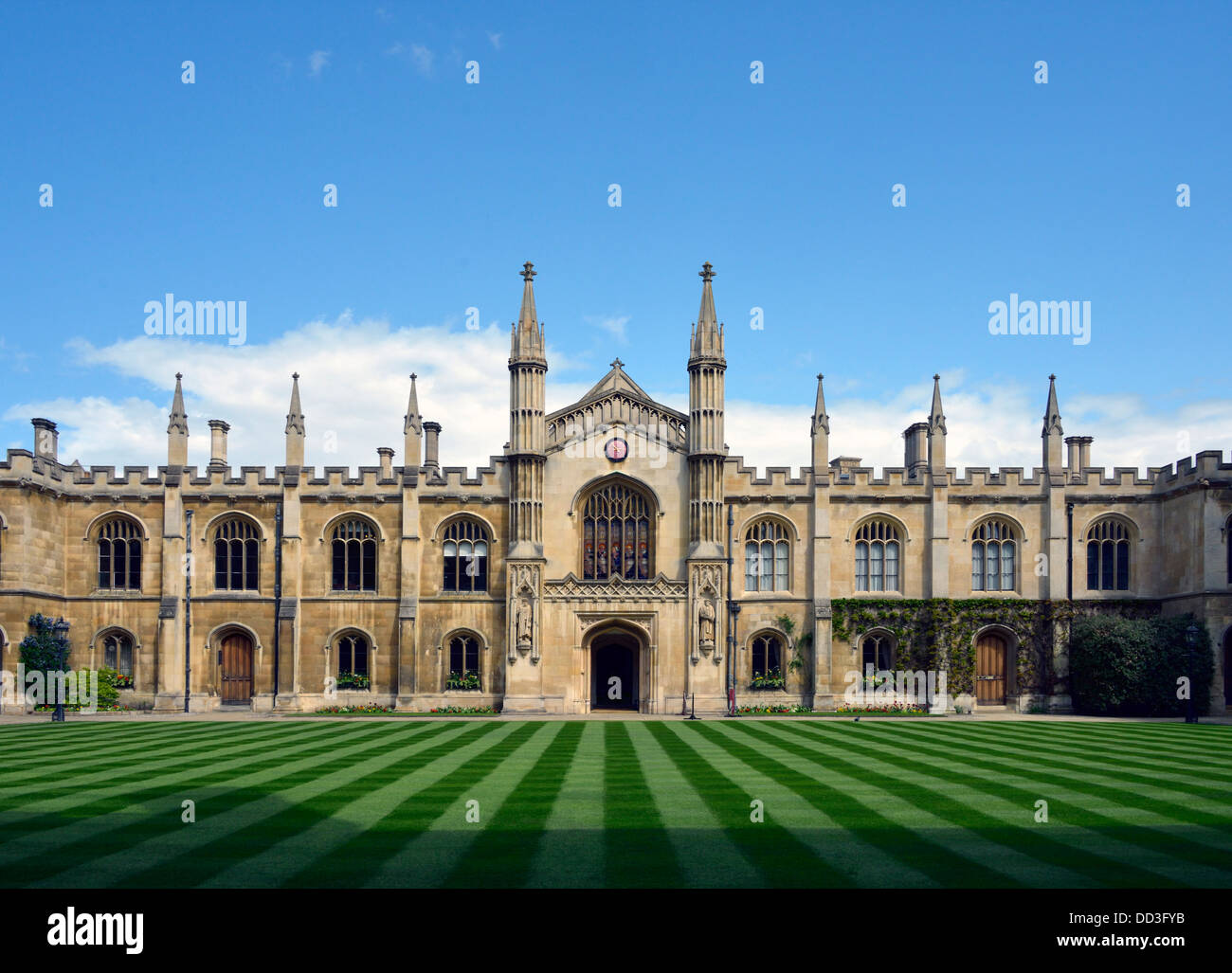 corpus-christi-college-university-of-cambridge-cambridgeshire-england-DD3FYB.jpg