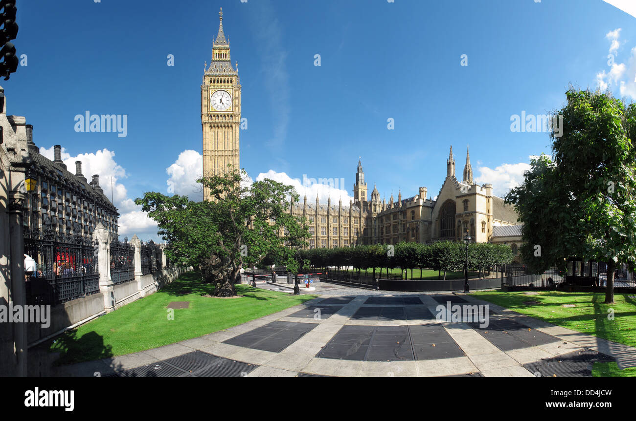 GoTonySmith,@HotpixUK,Tony,Smith,UK,GB,Great,Britain,United,Kingdom,English,British,England,problem,with,problem with,issue with,Buy Pictures of,Buy Images Of,Images of,Stock Images,Tony Smith,United Kingdom,Great Britain,British Isles,panorama,pano,Big Ben,clock,wide,shot,wide shot,green,tree,trees,Palace of Westminster,House of Commons,House of Lords,historic building,tourism
