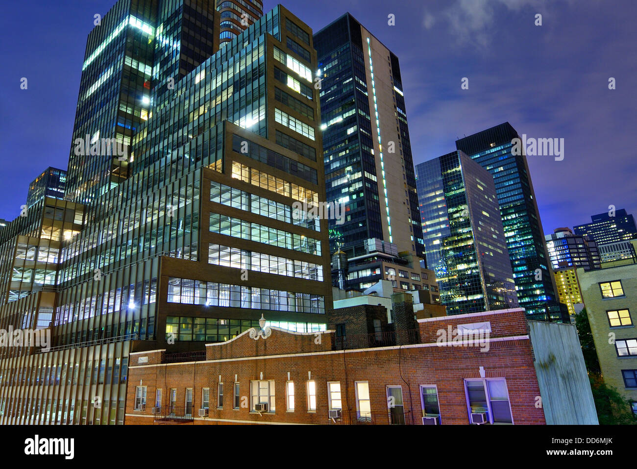 Office buildings in midtown Manhattan. - Stock Image