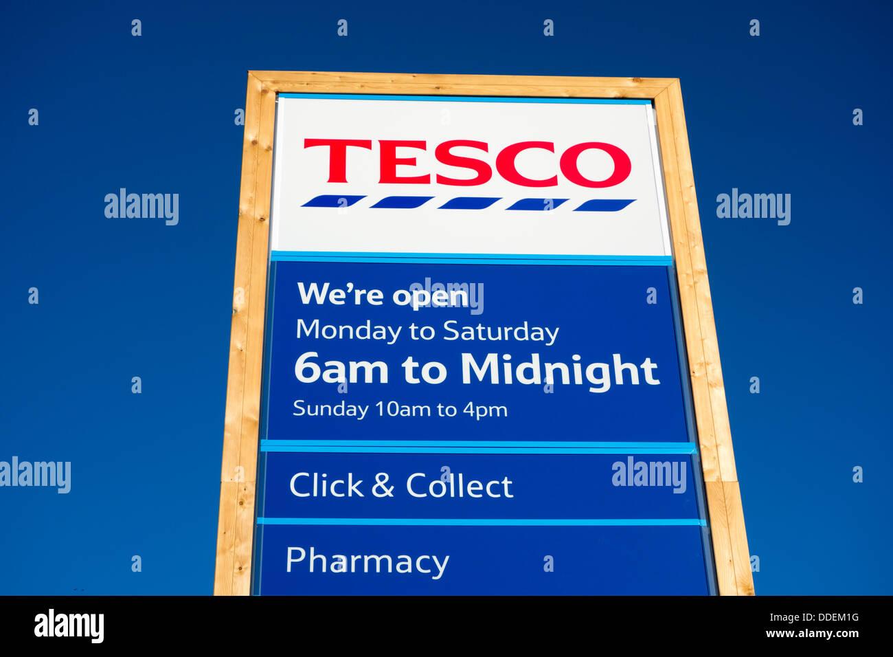 Tesco supermarket sign, England, UK Stock Photo