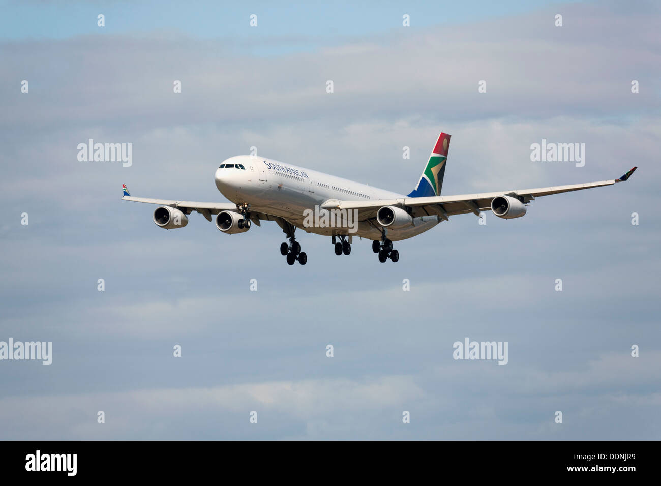 South African Airways Airbus A340-300 on final approach Stock Photo
