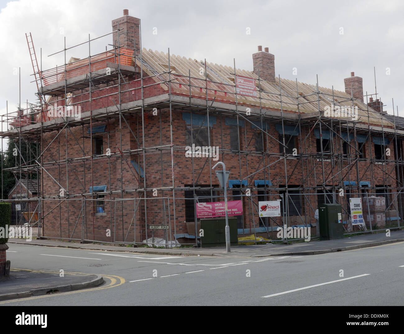 affordable,housing,ukhousing,scaffolding,brick,bricks,construction,roof,roofing,refurb,refurbishment,development,dev,building,new,build,capital,works,Affordable Housing,New Build,Capital works,GoTonySmith,@HotpixUK,Buy Pictures of,Buy Images Of,Images of,Stock Images