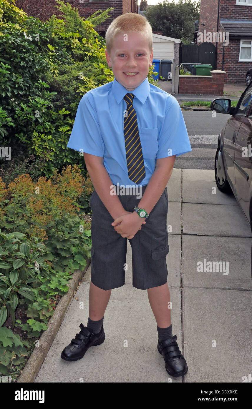 school,uniform,formal,Cheshire,England,UK,tie,shirt,shorts,neat,primary,secondary,high,school uniform,High school,GoTonySmith,@HotpixUK,Buy Pictures of,Buy Images Of,Images of,Stock Images