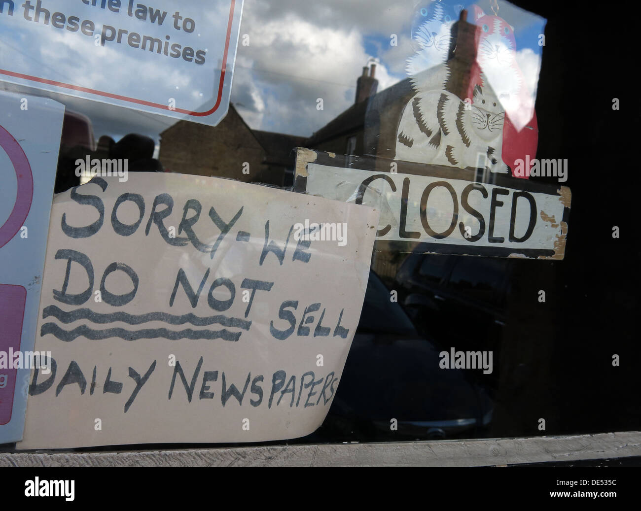 Closed,newsagents,newsagent,in,decline,declining,print,media,dying,trade,shift,to,digital,online,on-line,endangered,species,end,of,newspaper,shop,window,refuse,sale,refused,to,sell,selling,not,Print Media,GoTonySmith,@HotpixUK,Buy Pictures of,Buy Images Of,Images of,Stock Images