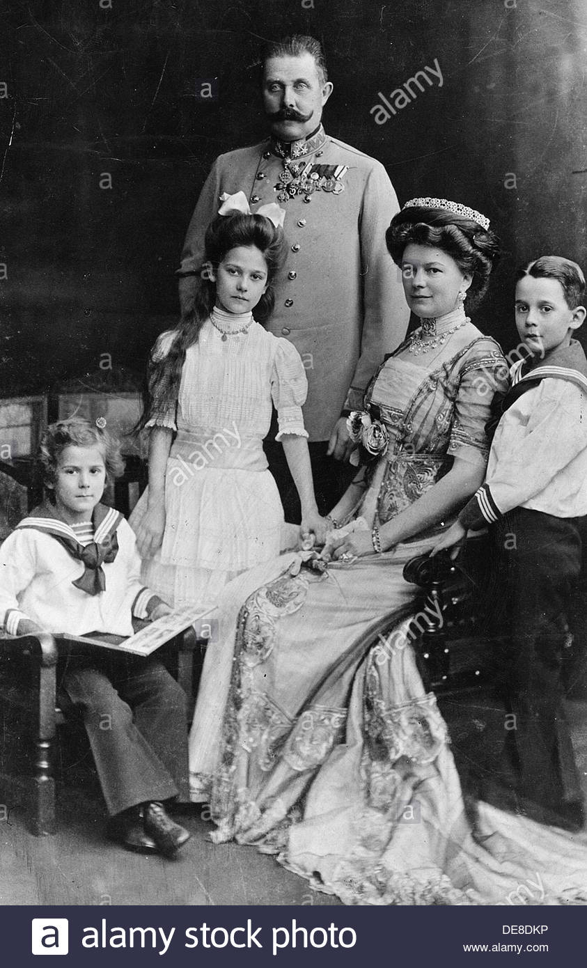 Archduke Franz Ferdinand of Austria with his Family. Artist: Anonymous - Stock Image