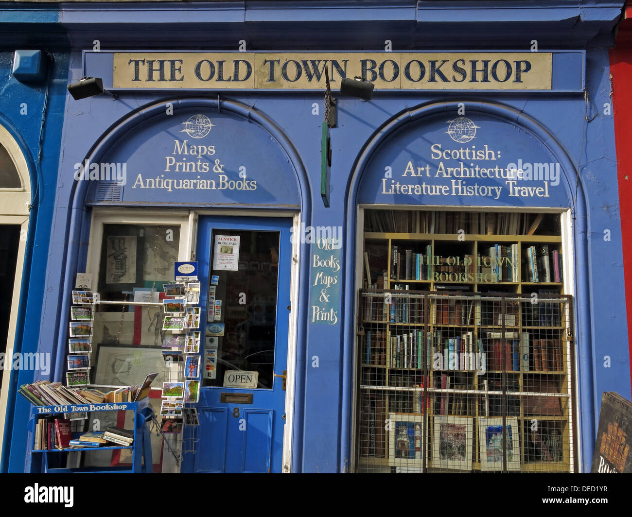 Scotland,UK,shop,book,interesting,shops,capital,city,tourist,tourism,maps,old,magazines,buy,or,sell,EH12HG,EH1,2HG,blue,door,cute,quaint,retailer,retail,fun,local,novels,guide,guides,library,libraries,seller,bookseller,Scottish,art,architecture,history,historic,travel,open,gotonysmith,OLDtown,Buy Pictures of,Buy Images Of