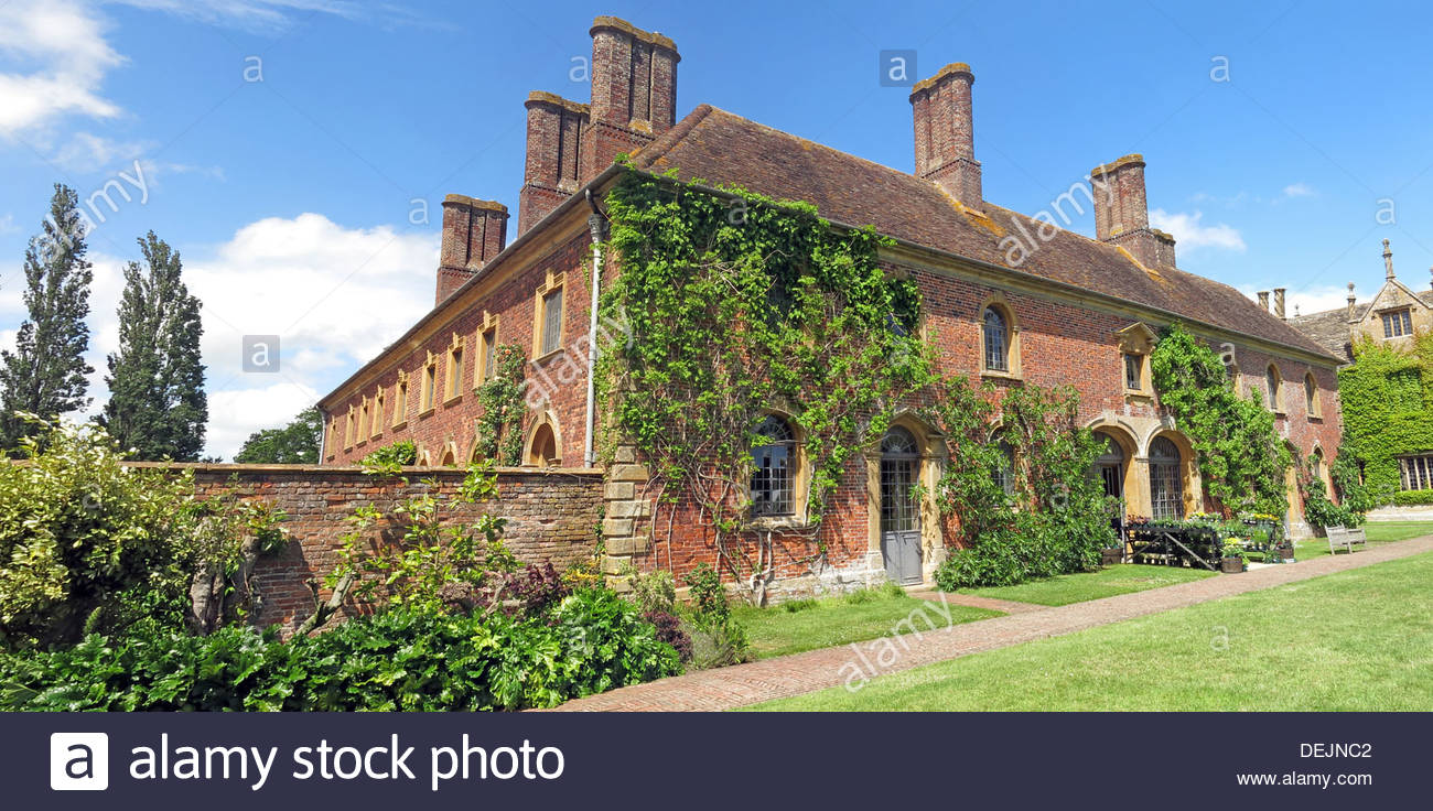Ct,national,Trust,South,West,TA19,0NQ,TA190NQ,Ilminster,Tudor,manor,house,Lyle,family,garden,Gertrude,Jekyll,inspired,gardens,Strode,House,Restaurant,pano,panorama,wideshot,wide,shot,angle,wideangle,UK,in,summer,2013,GB,Great,Britain,architecture,building,plants,ivy,growing,up,brick,work,brickwork,Gotonysmith,Buy Pictures of,Buy Images Of
