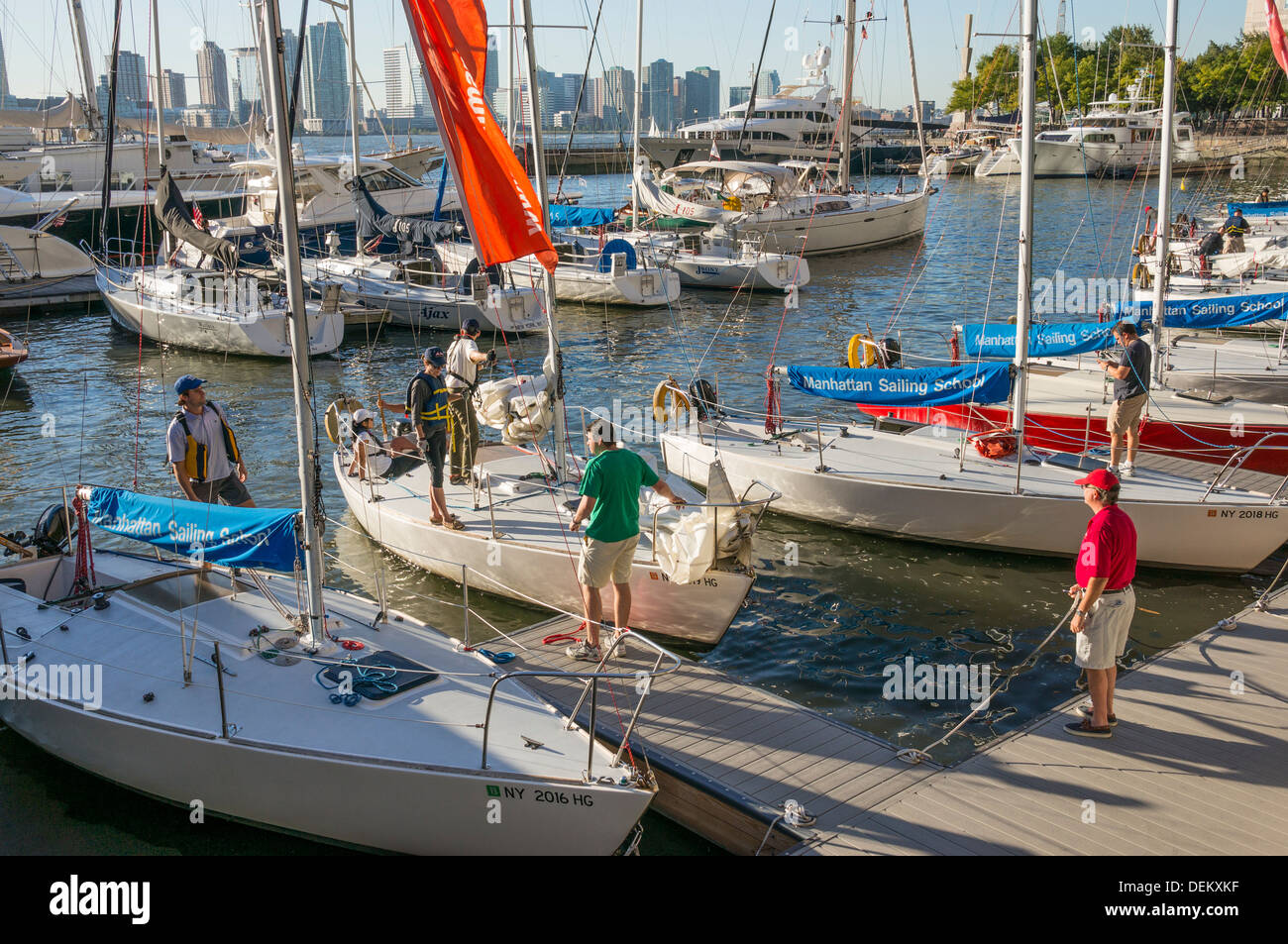 manhattan-sailing-school-in-north-cove-i