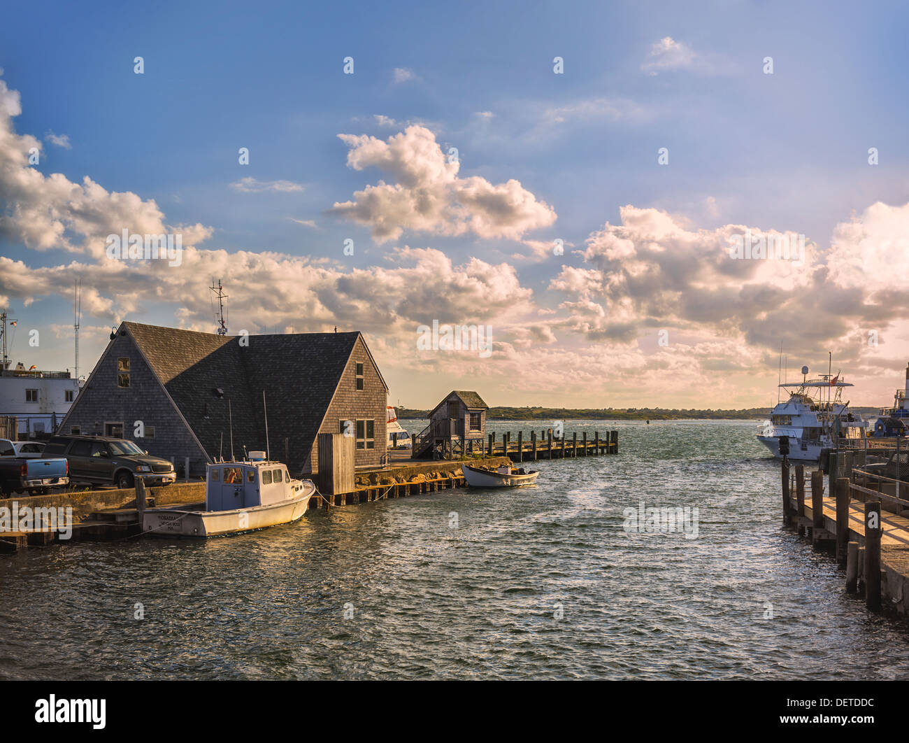 docked-boats-woods-hole-cape-cod-massachusetts-late-afternoon-in-autumn-DETDDC.jpg