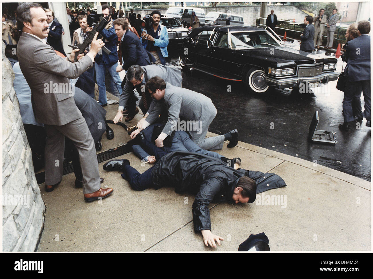 Photograph of chaos outside the Washington Hilton Hotel after the assassination attempt on President Reagan 198514Stock Photo