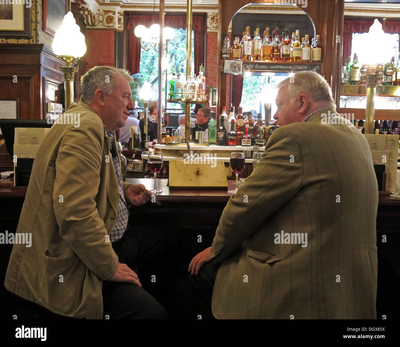 Two,2,drinkers,in,the,Cafe,Royal,Edinburgh,Scotland,UK,café,Royale,bar,pub,Scottish,connection,whisky,beer,ale,ales,2 drinkers,dark,winter,dusk,GoTonySmith