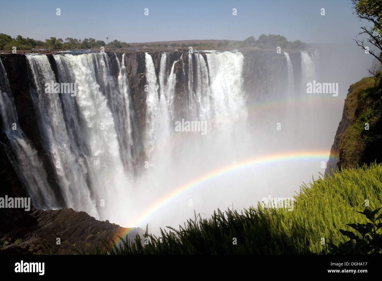 a-double-rainbow-over-the-victoria-falls-zimbabwe-seen-from-the-victoria-DGHA17.jpg