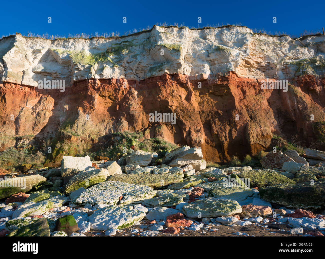 the-cliff-at-hunstanton-norfolk-england-DGRN62.jpg