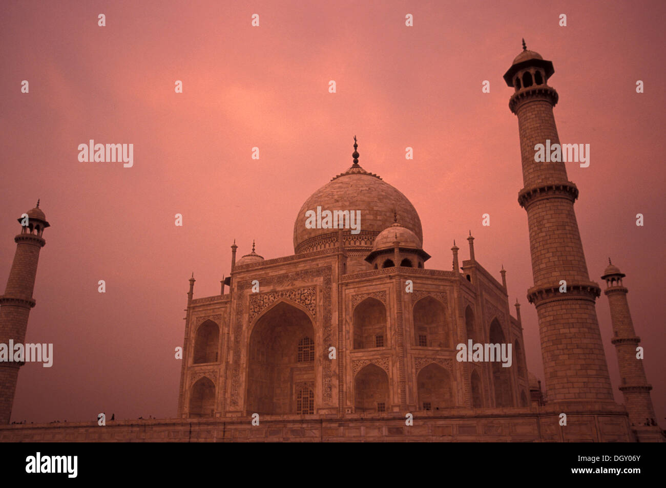 the-world-wonder-taj-mahal-the-taj-a-whi